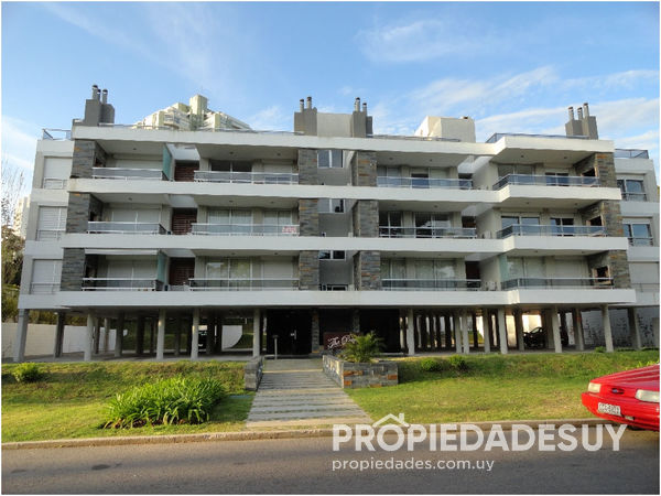 Edificio The Point III en Punta del Este 6019 4 grande