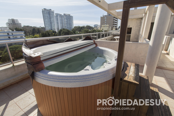 Edificio The Point Brava en Punta del Este 5002 4 grande